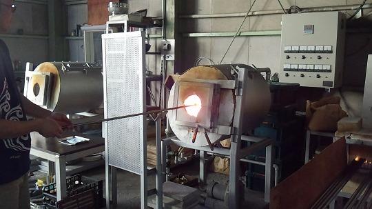 ガラス工房 仏具 制作風景